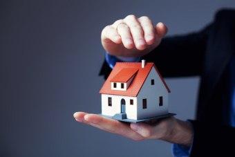 Обязательно ли страхование недвижимости при ипотеке?